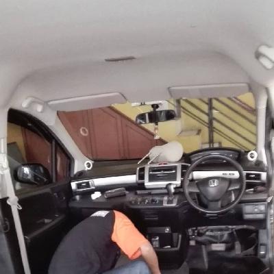 Jok mobil bandung Karyawan kami sedang bekerja